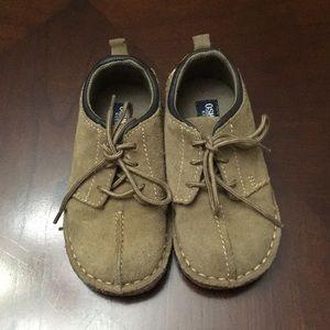 OshKosh tan suede shoes